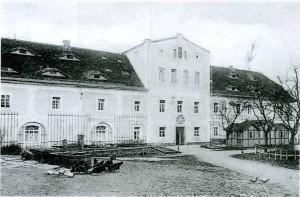 Dwór - budynek szpitalny